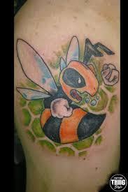 пчела в мультяшном стиле тату альбом насекомые маркет
