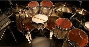 Setiap alat musik ritmis memiliki caranya sendiri untuk dimainkan, mulai dari digoyang hingga dipukul untuk menghasilkan bunyi. 7 Fungsi Alat Musik Ritmis Dan 6 Contoh Serta Penjelasannya Silontong