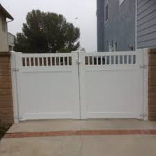 Gate Gallery Showtime Vinyl Fence Patio Cover