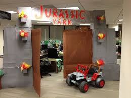 office halloween themes. fine halloween cool jurassic park themed office dcor for halloween 10 pics with themes