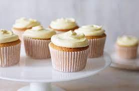 easy vanilla cupcakes best cupcake