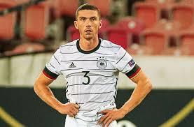 DFB-Debütant in Stuttgart: Das war der erfrischende Auftritt von Robin  Gosens - Fußball - Stuttgarter Zeitung