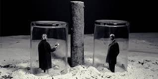 Gilbert Garcin, nunca es tarde para el Surrealismo - Piñata Productions