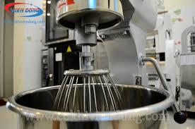 Máy trộn bột đánh trứng công nghiệp dành cho các cơ sở làm bánh lớn
