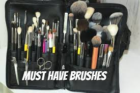 makeup artist series must have makeup brushes mandy davis mua