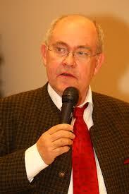 <b>Edwin Schuster</b> als Regionalsprecher der Württemberger Pferdezüchter <b>...</b> - E42F7556_512x768