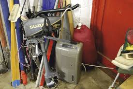 service a 2 stroke outboard engine