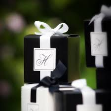 best 25 wedding favor boxes ideas on pinterest macaroon favors Wedding Favor Ideas Black And White monogrammed b&w favour boxes black and white wedding wedding favor ideas black and white