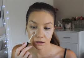 how to use concealer as highlighter how to get selena gomez s grammys 2016 look