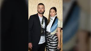 Justin timberlake has found himself in a notes app apology situation. Justin Timberlake Apologizes To Wife After He Was Pictured Holding Hands With Co Star Ctv News