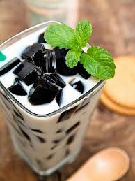Salah satu bahan pelengkap membuat es cincau adalah sirop gula merah. 4 Resep Olahan Cincau Hitam Merdeka Com