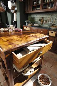 Lubéron la bellezza del legno nella cucina classica arredica