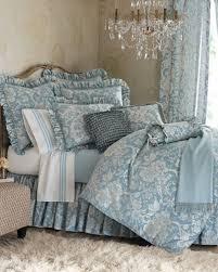elegant traditional bedroom design with luxury queen duvet covers bedding set modern glass lighting chandelier