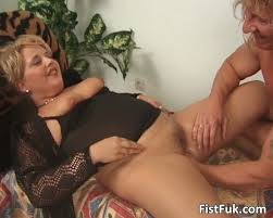 Moms posing to be fisted tube