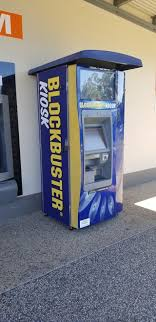 Blockbuster Vending Machines Amazing This BlockBuster Rental Machine That Was Outside A Store In