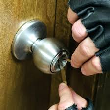 unlock bathroom door with hole unlock bathroom door with hole hole card deadbolt without how to unlock bathroom door with hole