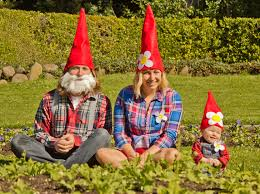 11 brilliant ideas for family costumes that will you saveenlarge coolest homemade garden gnome costume sc 1 st meningrey