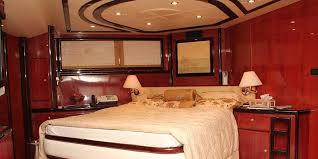 The 85 Feet Luxury Yacht   3 1