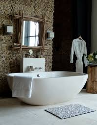 Awesome Bathroom Design Idea With Comfy Big White Freestanding ...