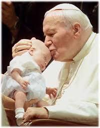 O site Canção Nova Notícias informou nesta quarta-feira (24/04/13) que a canonização do Papa João Paulo II está cada vez mais próxima. - papa_joao_paulo_ii
