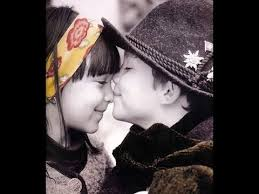 most beautiful cute es kissing