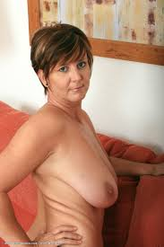 Hot naked milfs over 40 Myslimpics