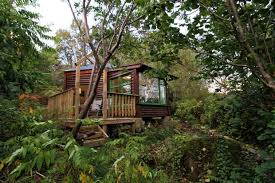 Irelandu0027s Weirdest And Most Wonderful AirBnB Rentals  Places To Treehouse Accommodation Ireland