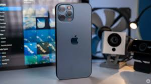 iPhone users more likely than Android users to trade in old devices: report  – MobileSyrup