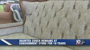 Haunted couch has drawn visitors to Waco store for past decade