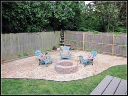 gravel fire pit chairs around