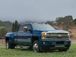 10 Trucks with Bench Seats | Autobytel.com