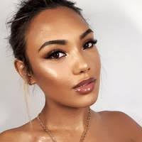 makeup artist nina rochford is making us drool over this glazed donut look created using the hey honey nus stick from stix 30