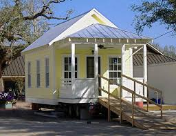 An increasing number of Americans are expressing interest in smaller space  living, with some even owning homes under 100sq ft! One indicator of the  trend is ...