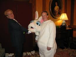 Social Media Shares Pictures Of Sean Spicer As White House Easter Impressive Sean Spicer Resume