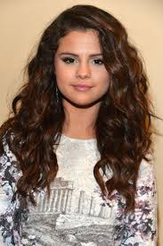 Selena Gomez Hair Style best 25 selena gomez curly hair ideas selena gomez 8316 by wearticles.com