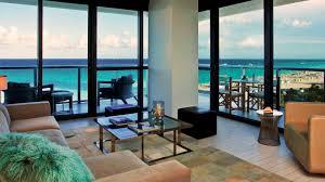 Cool Corner Oceanfront Suite with balcony