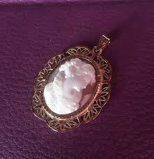 antique pendant made of 18 kt 750 gold beautiful profile on genuine cameo