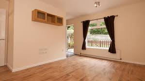 how much does it cost for labor to have laminate flooring installed reference com