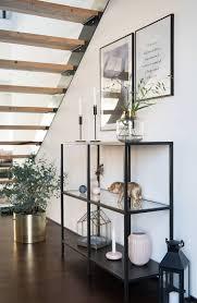 Oder bleibt uns nichts anderes übrig, als wieder etwas auf die stufen zu kleben? Pin Auf Sori Writes Unter Der Treppe Flur Hallway Under The Stairs
