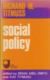 essays on the welfare state amazon co uk richard m titmuss social policy an introduction