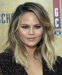 Chrissy teigen just dyed her hair, and it's giving us summer vibes. Christine Teigen Hairstyles Hair Cuts And Colors