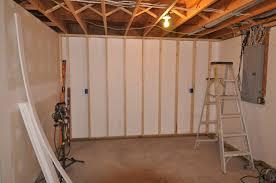 Image of: Basement Wall Ideas Cheap