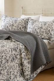 Toile Quilt Set - Foter & Black and white toile bedding queen Adamdwight.com