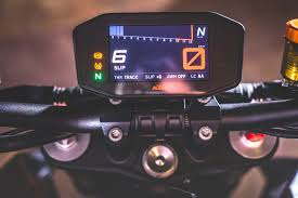 2018 ktm 1290 super duke r. exellent 2018 2017 ktm super duke r review gauges inside 2018 ktm 1290 super duke r