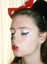 minnie mouse makeup for kids fast easy face painting tutorial you draw a small oval shape on the nose in a black pencil eye liner and with