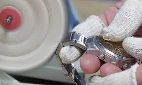 polishing a snless steel watch case