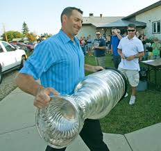 Stanley Cup comes to Elnora – Red Deer Advocate