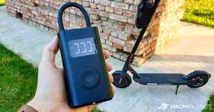 <b>Xiaomi Mi Portable Air</b> Pump Review: This gadget is a must have