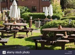 empty tables outside a pub restaurant in stratford upon avon warwickshire