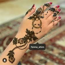 Haya Henna Designs Pin By Haya On Mehendi Finger Henna Designs Floral Henna